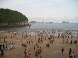 Bãi tắm Cát Cò 1 rộng lớn nơi thu hút khách du lịch