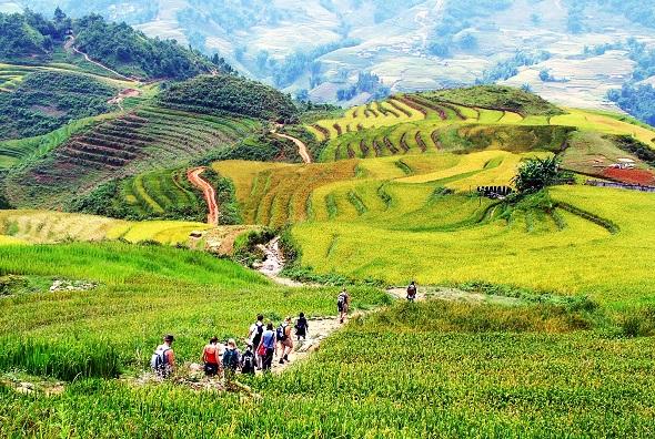 Hành trình lên tới ngôi làng kỳ ảo