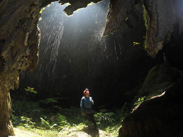 Hang động đẹp hơn cả hang Sơn Đoòng