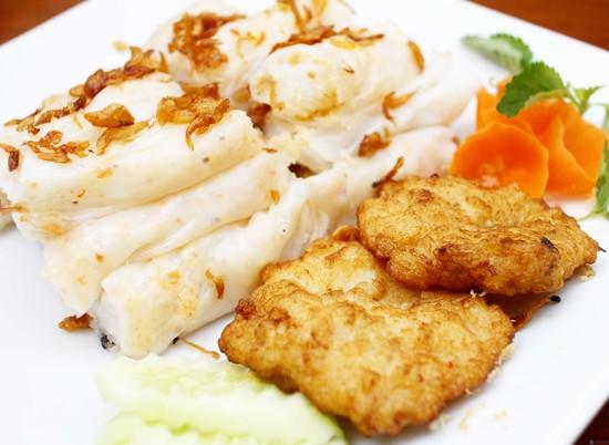 Bánh cuốn chả mực Hạ Long- món ăn chớ bỏ lỡ khi du lịch Hạ Long