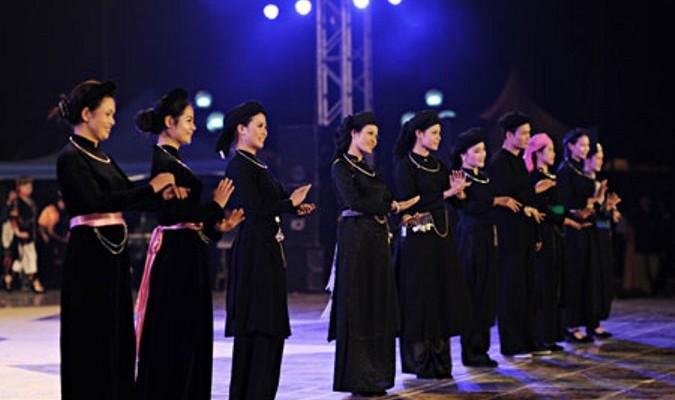 Đặc sắc lễ hội cầu Trăng của người Tày