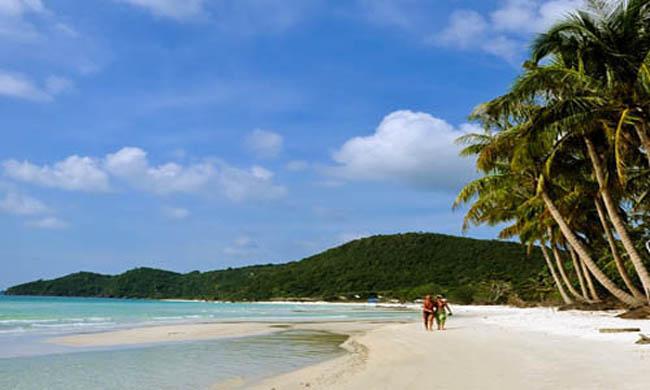 Bãi biển Sơn Hào Quan Lạn