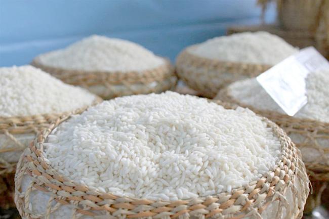 Gạo là nguyên liệu chính để làm nên rượu cần