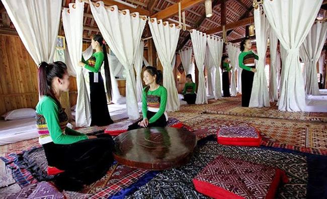 Nhà sàn ở Mai Châu ngày càng hiện đại để phục vụ khách du lịch