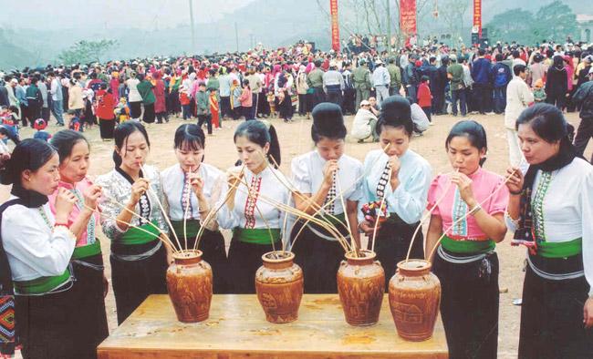 Rượu cần không thể thiếu trong các lễ hội của người Thái